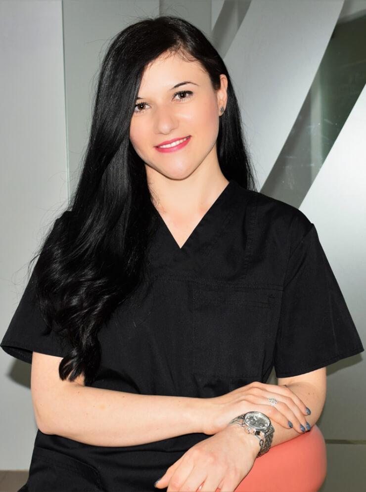 Dr. Vanesa Barbu