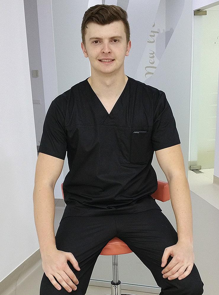 As. Răzvan Dumbrăveanu